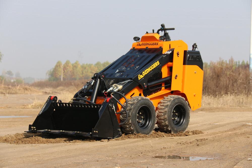 Oz Diggers Mini Skid Loader: Wheeled, Diesel - OD130W